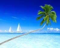 Concept de plage de vacances de loisirs de vacances de ciel de yacht Image libre de droits
