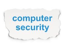 Concept de protection : Protection de l'ordinateur sur le fond de papier Images stock