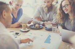 Concept de réunion de planification de coopération de séance de réflexion de tableau noir photographie stock libre de droits