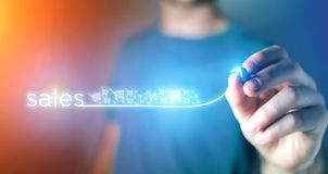 Concept de réussite commerciale avec la flèche montant sur une technologie Photo stock
