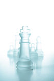 Concept de réussite et de direction, roi de verre d'échecs Photo libre de droits