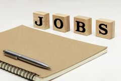 Concept de recherche d'un emploi, grand mot noir des textes photo stock
