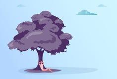 Concept de repos de vacances de Sit Under Tree Relaxed Businessman d'homme d'affaires Images stock
