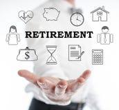 Concept de retraite faisant de la lévitation au-dessus d'une main photo libre de droits