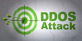 Concept de sécurité : cible et attaque de DDOS sur le fond de mur Images libres de droits