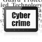 Concept de sécurité : Tablette avec le crime de Cyber sur l'affichage Photos stock