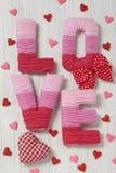 Concept de Saint-Valentin avec amour de lettres Photographie stock