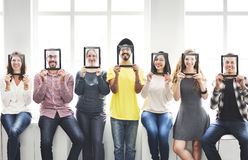 Concept de sourire d'amies occasionnelles de personnes de diversité Photo stock