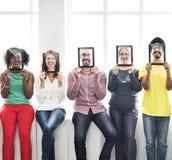 Concept de sourire d'amies occasionnelles de personnes de diversité Photos stock