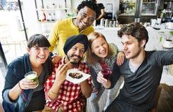 Concept de sourire de bonbons à bonheur de consommation d'amitié Images libres de droits