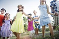 Concept de sourire de bonheur d'unité d'amitié d'enfants Photo libre de droits