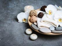 Concept de station thermale avec les orchidées blanches Photo libre de droits