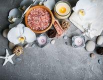 Concept de station thermale avec les orchidées blanches Photographie stock libre de droits