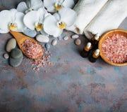Concept de station thermale avec les orchidées blanches Photos libres de droits