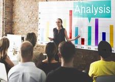 Concept de statistiques de croissance de graphique d'Analytics d'analyse photographie stock