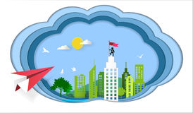 Concept de succès, vol plat rouge sur le ciel au bâtiment architectural avec un drapeau sur le dessus, symbole de succès, but, ac Photographie stock libre de droits