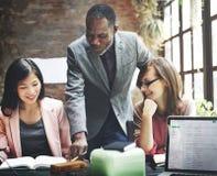 Concept de Team Discussion Data Marketing Brainstorming d'affaires image stock