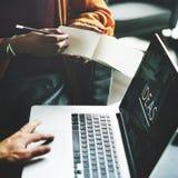 Concept de Team Working Together Ideas Laptop de personnes Photo stock