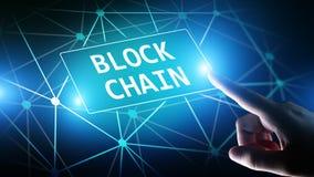 Concept de technologie de Blockchain sur l'écran virtuel Cryptographie et cryptocurrency images libres de droits