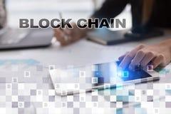 Concept de technologie de Blockchain Transfert d'argent d'Internet Cryptocurrency images libres de droits