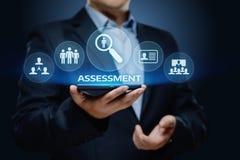 Concept de technologie d'Analytics d'affaires de mesure d'évaluation d'analyse d'évaluation photos stock
