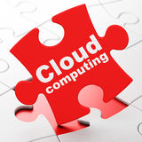 Concept de technologie de nuage : Nuage calculant sur le fond de puzzle Images stock