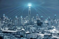 Concept de technologie, de réseau et de Conection - le réseau de Wifi se relient Photos stock
