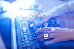 Concept de technologie de vente de Digital Internet En ligne Optimisation de moteur de recherche Seo SMM advertising photos stock