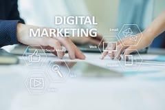 Concept de technologie de vente de Digital Internet En ligne Optimisation de moteur de recherche Seo SMM la publicité visuelle photographie stock libre de droits