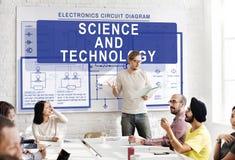 Concept de tension de l'électricité de circuit électronique photos stock