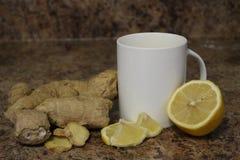 Concept de thé de citron de gingembre, un bon thé pour des froids curatifs et toute autre maladie naturellement image stock