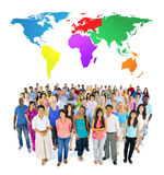 Concept de télécommunication mondiale de personnes de diversité de la Communauté de foule Image libre de droits