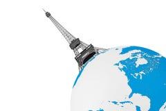 Concept de tourisme. Tour Eiffel au-dessus de globe de la terre Images libres de droits