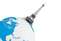 Concept de tourisme. Tour Eiffel au-dessus de globe de la terre Photographie stock