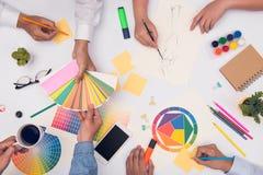 Concept de travail d'équipe de concepteur Groupe de gens d'affaires de planification Image stock