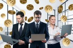 Concept de travail d'équipe et de commerce électronique Photo stock