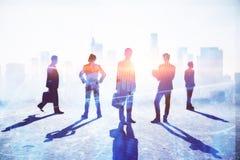 Concept de travail d'équipe, de réunion et de bénéfice photo libre de droits