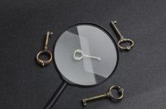 Concept de trouver la bonne, sûre décision et résoudre le problème La clé est un symbole de grande résolution image stock
