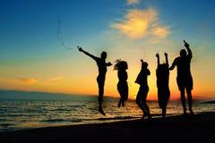 Concept de vacances de vacances d'été de partie de plage de célébration de personnes photographie stock libre de droits
