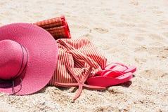 Concept de vacances de Flip Flops Bag Starfish Sand de chapeau de soleil photo stock