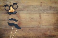 Concept de vacances de Halloween Masque drôle de moustache images stock