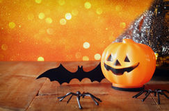 Concept de vacances de Halloween Potiron, araignées et batte mignons Photo stock