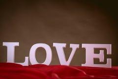 Concept de valentine d'amour avec les lettres blanches Image libre de droits
