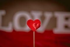 Concept de Valentine sur la table en bois avec les lettres blanches Photos libres de droits