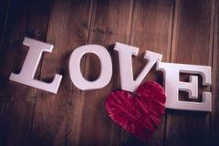 Concept de Valentine sur la table en bois avec les lettres blanches Images libres de droits