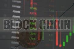Concept de valeur et graphiques de Bitcoin et nombres qui le représentent image stock
