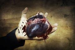 Concept de Veille de la toussaint. coeur à disposition avec le sang images stock