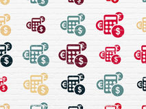 Concept de vente : Icônes de calculatrice sur le mur Photo stock
