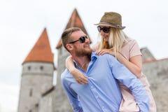 Concept de voyage - portrait des touristes heureux dans l'amour Photographie stock