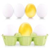 Concept de witte en gouden eieren van Pasen Stock Foto